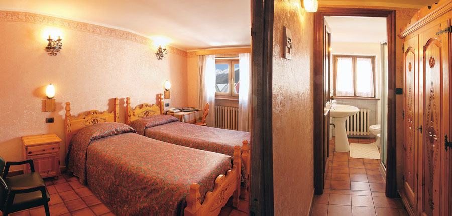 italy_milky_way_ski_area_sestriere_banchetta_hotel_twin_room.jpg